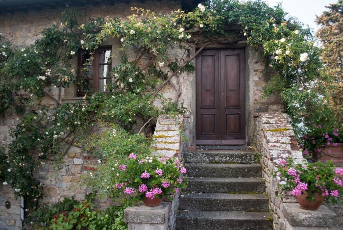 doors-of-italy-castello-di-spaltenna-garden-entrance